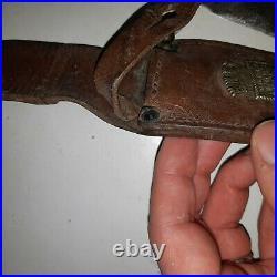 Ancien couteau Scout chantier de jeunesse Marque SABATIER jeune. CJF