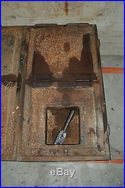 Ancienne armoire métal riveté allemande ww2 militaria loft