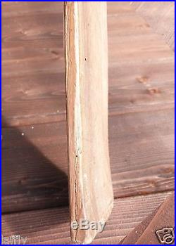 Ancienne paire de skis en bois, de chasseurs alpins ou peut-être civil