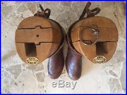 Bottes d'officier de spahis avec embauchoir 1939