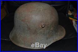 Casque allemand de la guerre de 14-18 poilu tranchée verdun argonne st mihiel