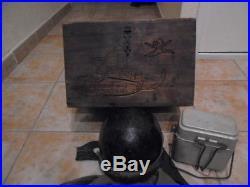 Exceptionnel souvenir d un ancien char de combat France 40 casque tenue caisse
