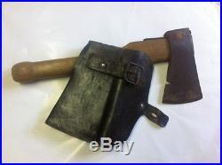 Hache de pionnier Allemand avec son étui en cuir WW2 originale