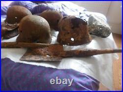 Lot de fouilles allemand ww2 4 coques 2 pelles 1 boitier un mag une gamelle ww2
