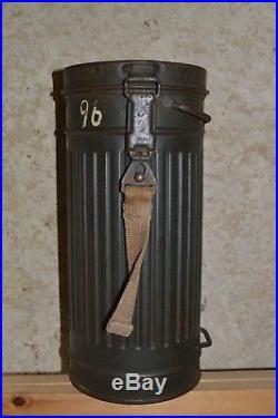 Masque à Gaz Allemand WWII Avec boite German Equipement Allemand 39/45 WW2