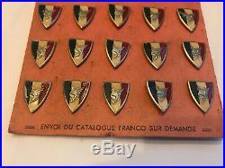 Plaquette rose 25 épingles Augis Légion française combattants politique Vichy
