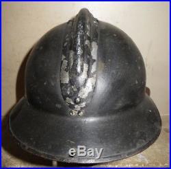 Rare casque ADRIAN pour un Officier de Chasseur, modèle 1926, peinture noire