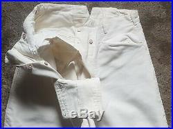 Un pantalon culotte de cheval Gendarmerie français uniforme militaire militaria